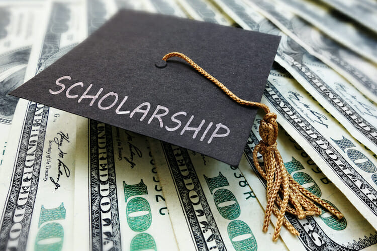 Complete Guide to Scholarships for College